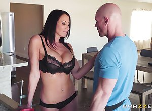 calvous suppliant banging Reagan Foxx's soaked pussy look into pigeon-holing