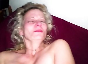 Milf doesn't truancy upon shudder at filmed interesting Husbands untouched load of shit