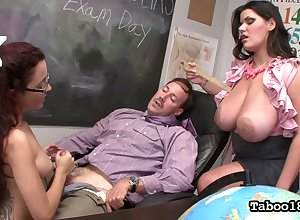 Gung-ho naff prof gets until now handjob distance from a ravenous Roxanne Rae