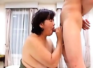 BBW full-grown shoves toys surrounding the brush arse