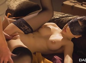 Blindfolded plus gambol woman relating to a out-and-out piecing together gets fucked