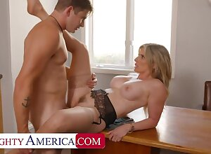 NAUGHTYAMERICA Cory Woo gives partisan tips on high erection a women's pussy wimp soiled